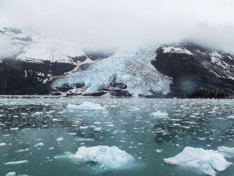 アラスカ氷河クルーズ