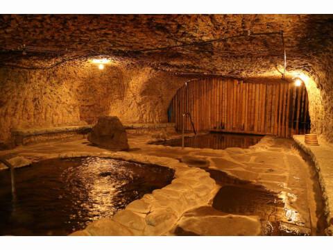 ブリーズベイ修善寺ホテルの岩窟風呂