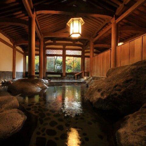 新井旅館の総檜造りの天平大浴堂