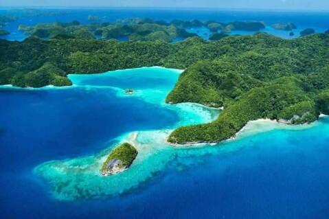 パラオ セブンティアイランド 70島 ロックアイランド