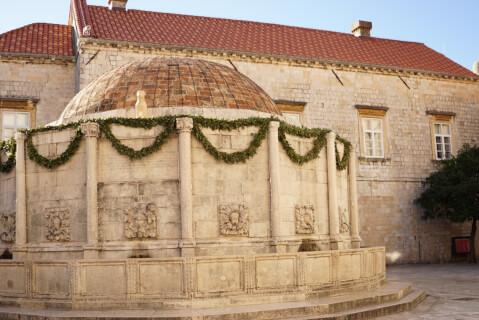 Dubrovnik_LargeOnofriosFountain
