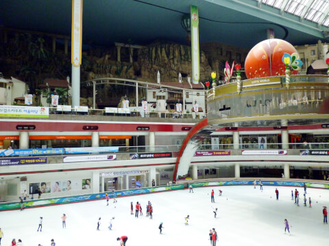 ロッテワールド:スケートリンクもある室内で遊べるアドベンチャー