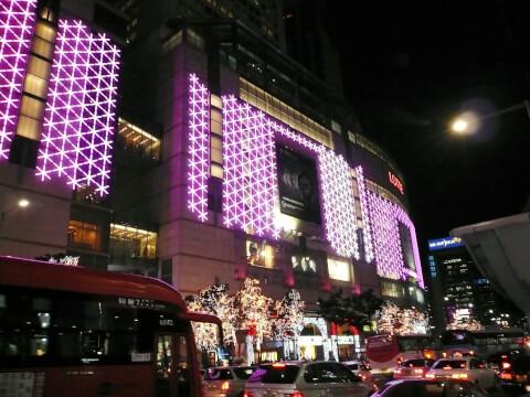 明洞:ソウル最大の繁華街は観光客に人気ナンバーワン!