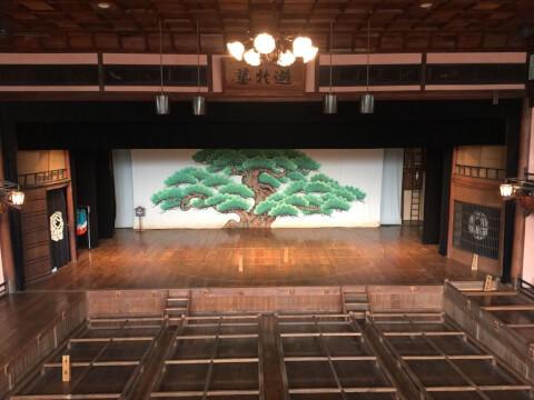 内子座の舞台