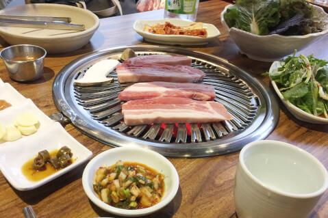 サムギョプサル 豚の三枚肉