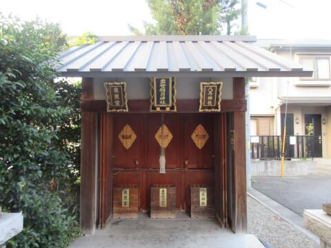 八耳神社、出世稲荷神社、東照宮