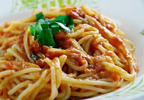 イタリアの名物グルメ、スパゲッティキタッラ