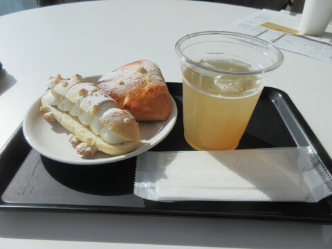 MOA美術館内の「the café」のパン
