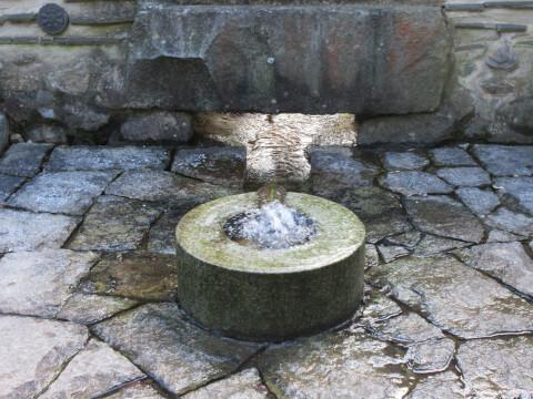 韓国式庭園の噴水
