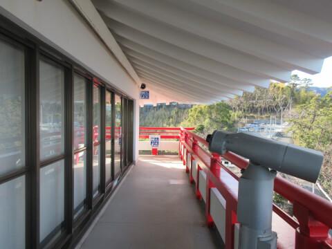 熱海城の天守閣展望台の通路