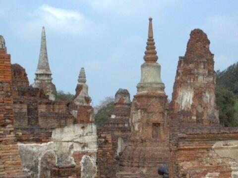 仏塔の廃墟