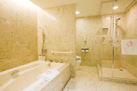 bathroom_hilton_tokyo_bay2