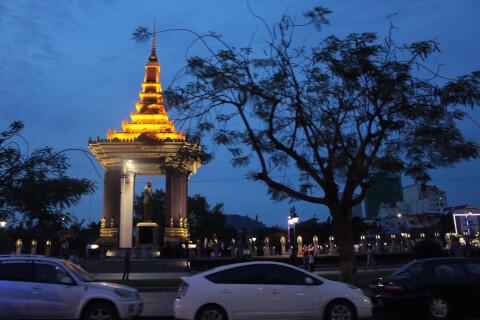 カンボジア 旅行