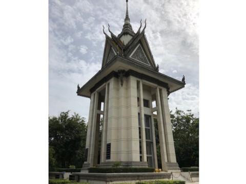 慰霊塔 カンボジア