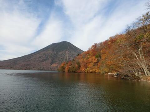中禅寺湖秋