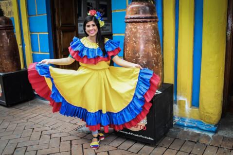 コロンビア 民族衣装