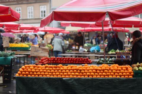 クロアチアのドラツ市場