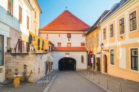 クロアチアの石の門