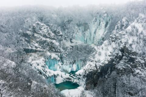plitvice クロアチア プリトヴィッツェ 観光 プリトヴィッツェ湖群国立公園 冬 雪