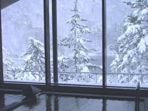 大山レークホテル 雪見風呂