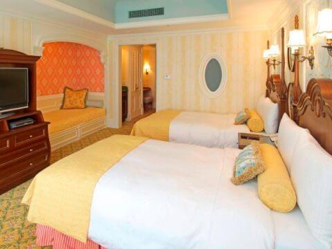 disney_land_hotel_standard