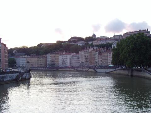 リヨン旧市街橋の上から