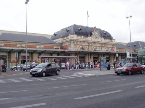 ニースの玄関口ニース・ヴィル駅