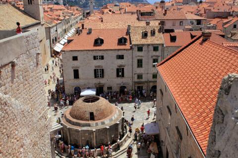 クロアチア ドブロブニク 街並み 噴水