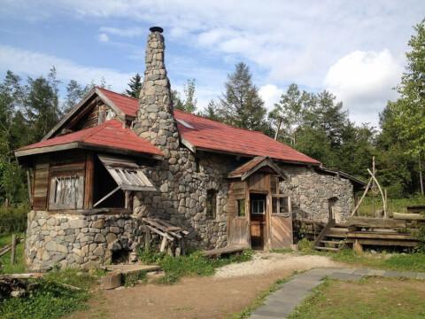 富良野_五郎の石の家