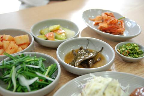 韓国ソウルのグルメで付け合わせを楽しむ!