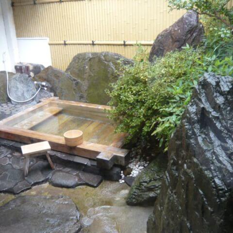 鹿野温泉 ヒノキ風呂