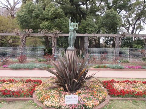 花壇 彫刻