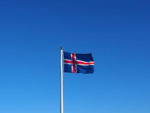 ice-flag01