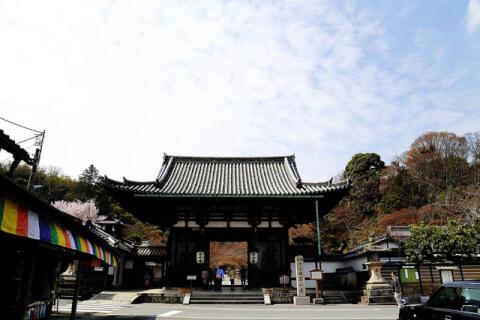 石山寺山門