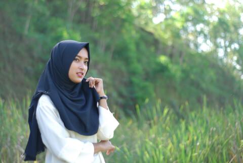 ヘジャブ インドネシア 女性