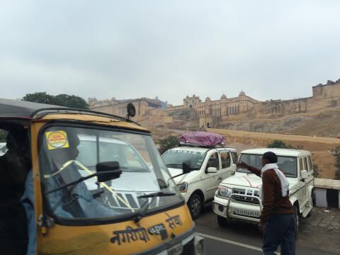 インド 配車 車 移動