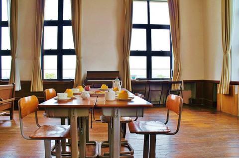 旧豊郷小学校:放課後ティータイムの部室(実写)