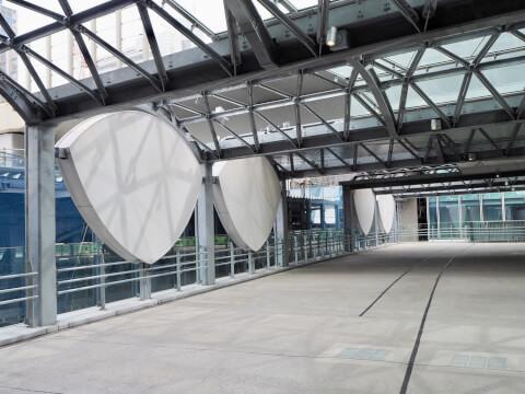 渋谷ストリーム かまぼこ屋根
