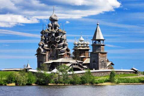 ロシアのおすすめ観光スポット、プレオブらジェンスカヤ教会