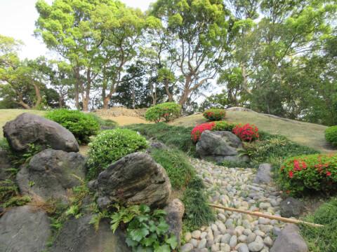 築山 清澄庭園
