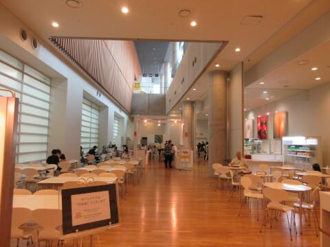 国立新美術館 カフェ