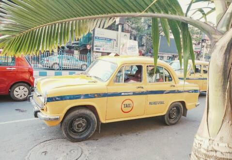 インド タクシー コルカタ