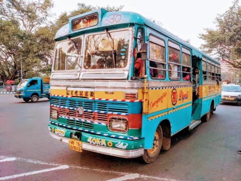 バス コルカタ