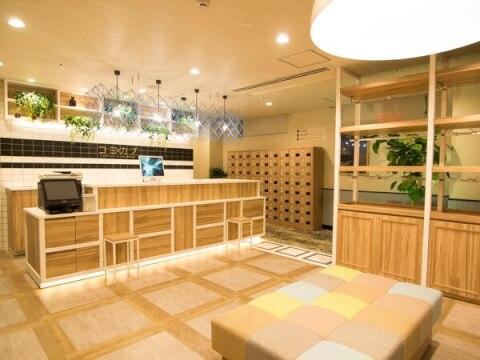コミカプ京都新京極店の綺麗なエントランス