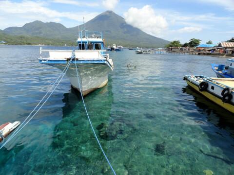 インドネシア マルク諸島 船