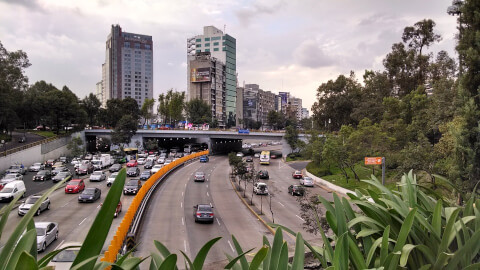 メキシコシティ 渋滞 道路