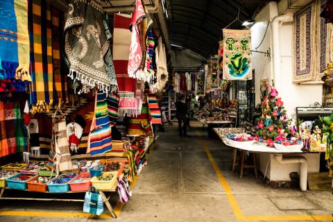 メキシコのおすすめ観光スポット、シウデダラ民芸品市場