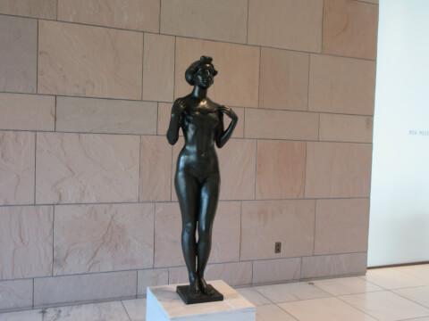 MOA美術館の銅像
