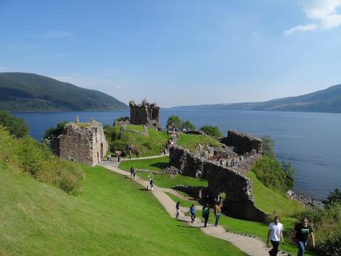スコットランド 観光 ネス湖