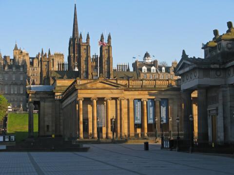 スコットランド 観光 国立スコットランド美術館